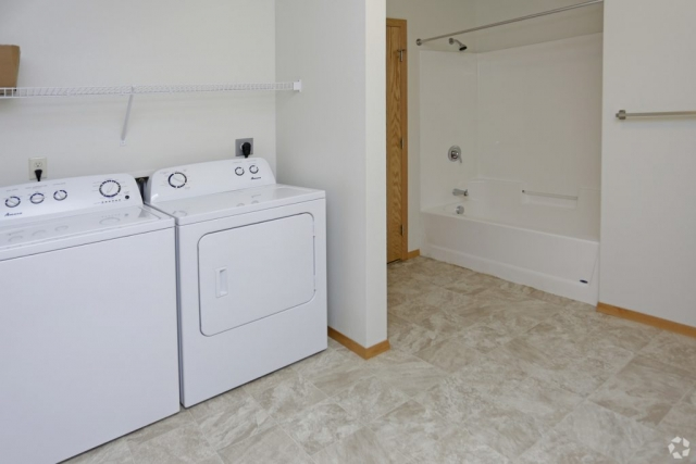 Bath / Laundry - Desoto Estates